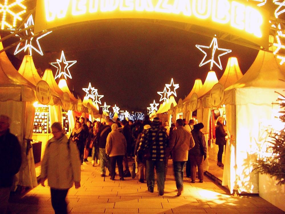 Weihnachtsmarkt Jungfernstieg (c) spinagel.de