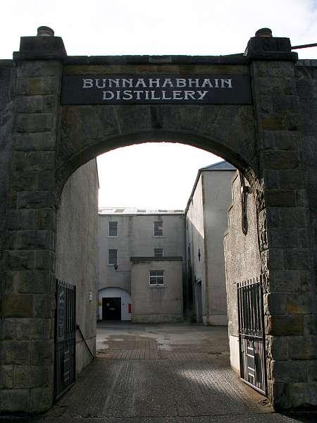 Bunnahabhain Eingang der Brennerei