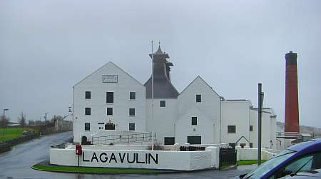 Lagavulin distillery (c) spinagel.de