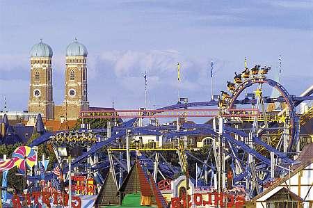 München Frauenkirche und Oktoberfest