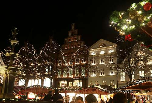 Weihnachtsmarkt Lüneburg am Rathaus (c) spinagel.de