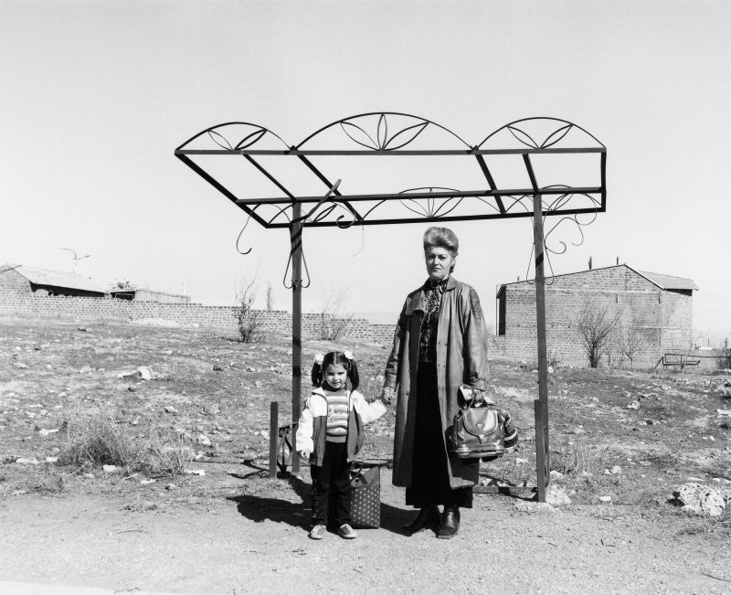 Warten_Kunsthalle_Ursula Schulz-Dornburg_Bushaltestellen_Armenien_Erevan-Parakar_2004